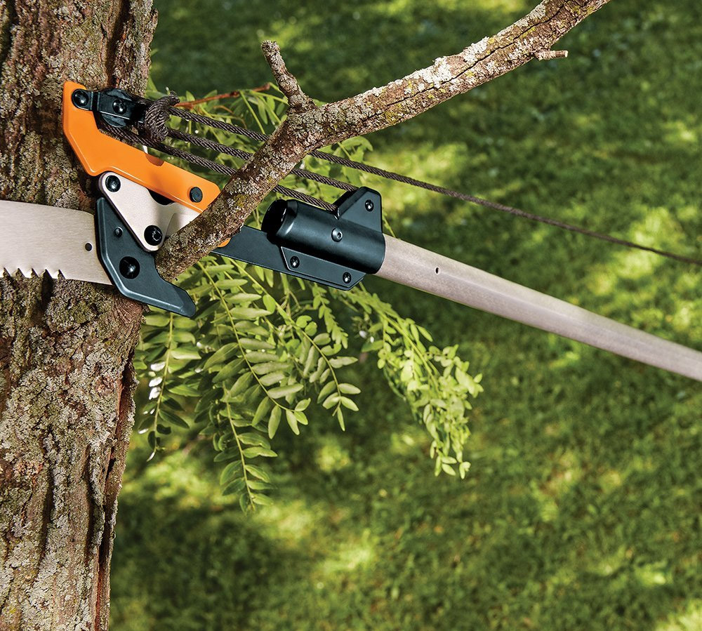 Fiskars 14 tree pruner review video incl hivefly using the woodzig blade cutting smaller branches with the lopper greentooth